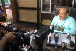 4 AAP MLAs booked for assaulting Vijender Gupta, BJP mayors