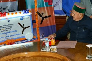 Virbhadra launches distribution of LEDs under UJALA scheme