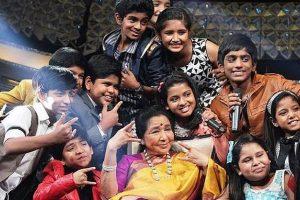 Asha Bhosle takes a step for 'Li'l Champs' contestants
