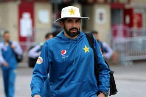 Misbah-ul-Haq to quit international cricket