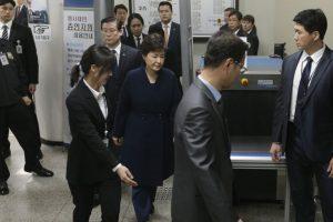 SKorean court ends hearing on ex-President's arrest