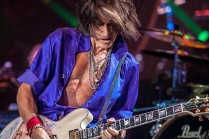 Joe Perry feels 'lucky' Aerosmith's going strong