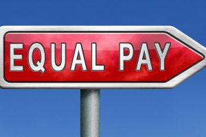 Iceland to make equal payment law for men and women