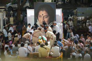 Kishori Amonkar cremated with state honours in Mumbai