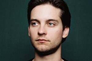 Tobey Maguire to direct adaptation of 'Blood on Snow'