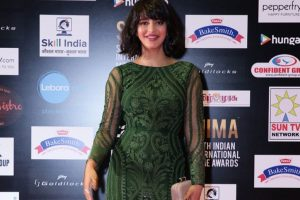 What's up with Shruti Haasan and Michael Corsale?