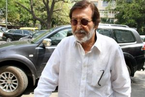 Vinod Khanna stable, says hospital