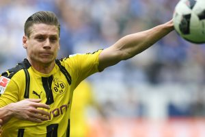 Lukasz Piszczek signs contract extension with Borussia Dortmund