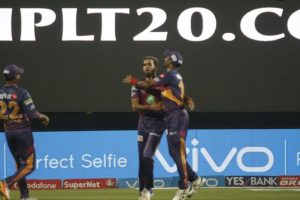 IPL 2017: Spinner Imran Tahir shines as RPS restrict MI for 184/8