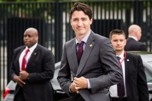 Canadian PM Justin Trudeau heckled over pipeline issue