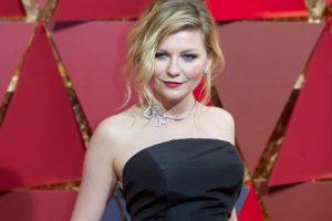 Kirsten Dunst in tears on Cannes red carpet