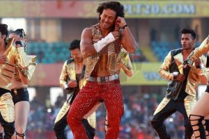 Whistle Baja…! Tiger Shroff rocks Rajkot!