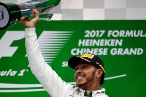 Mercedes' Lewis Hamilton edges Sebastian Vettel to win Chinese GP