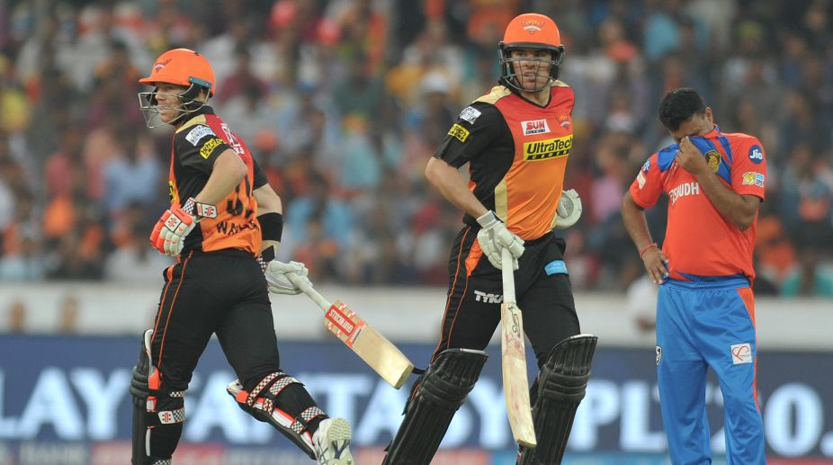 IPL 2017: Warner, Henriques drive SRH to easy win over Gujarat Lions