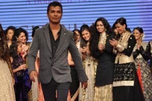 Vikram Phadnis's 'Hrudayantar' to release soon