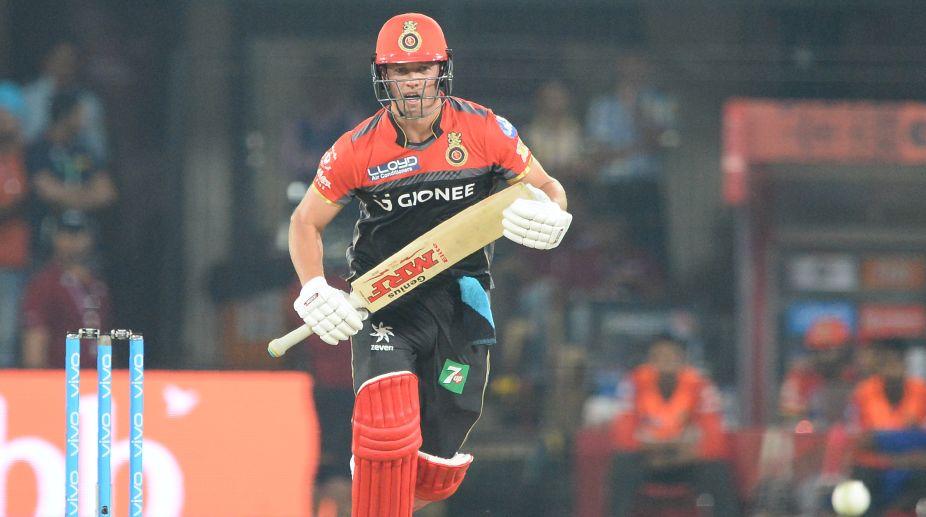 IPL 2017: AB de Villiers makes thumping return, takes RCB to 148/4