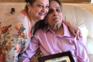 Dilip Kumar honoured with Living Legend Lifetime Award