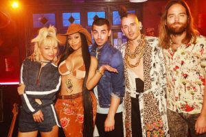 Nicki Minaj teases collaboration with DNCE