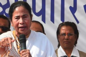 One can threaten but cannot scare me: Mamata