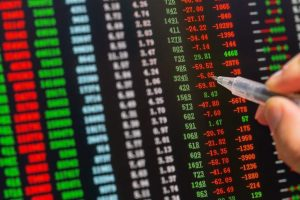 Global cues, banks stocks drag Indian equities lower