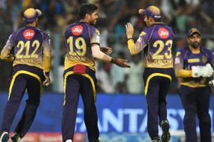 IPL 2017: KKR's Umesh Yadav strikes to keep table-toppers KXIP under control