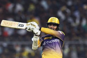 IPL 2017: KKR's Sunil Narine foxes one and all with his bat