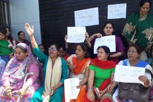 Now, Congress seeks complete liquor ban in Uttarakhand