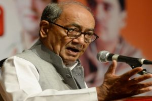 Digvijaya Singh: Muslim youths are encouraged to join ISIS?