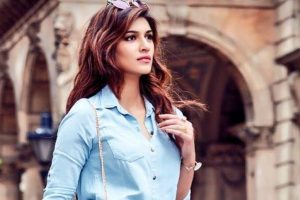 Kriti Sanon celebrates 'most special journey' as she turns three in Bollywood