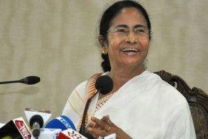 Mamata uses social media to bond with regional leaders