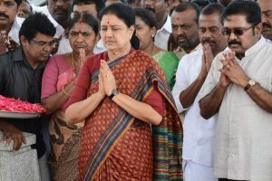 Sack Sasikala, Dinakaran before unity talks: Panneerselvam camp