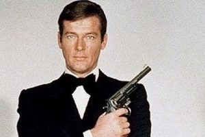 Private memorial held for Roger Moore