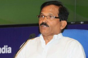 Shripad Naik seeks inclusion of yoga in hospitals
