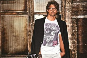 Hrithik Roshan proud of his mother for beating aquaphobia