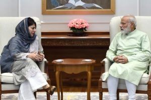 'Centre lacks Kashmir policy, BJP-PDP handling dangerous to unity'