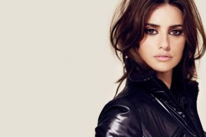 Penelope Cruz to present Golden Globe 2018