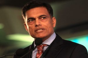 Sajjan Jindal violates visa rules, meets Sharif in Muree