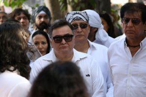 Rishi slams 'today's stars' for skipping Vinod's funeral