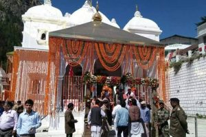 Kashmiri Pandits throng Zeashta Devi shrine