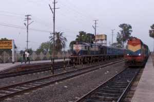 Three run over by train in Bengal