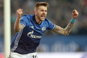 Schalke move to 2nd, Bayern carve out win in Bundesliga