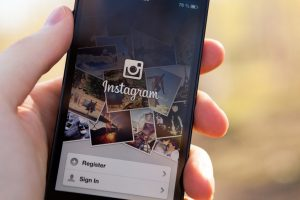 Instagram food accounts may up eating disorder risk