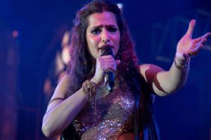 Wish you would rise above this muck: Sona Mohapatra to Kangana