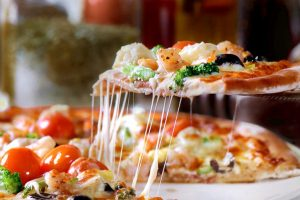 Weekend Delight: Crispy yummy farm fresh pizza