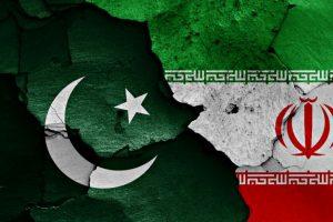 Iran, Pakistan discuss defence ties amid US threats