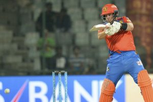 Aaron Finch, Dinesh Karthik propel Gujarat to 195/5 against Delhi