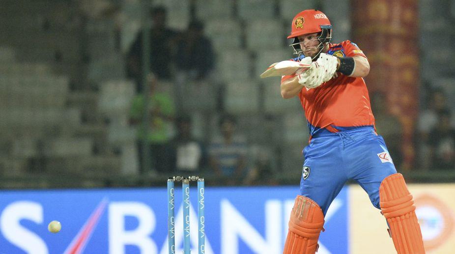 Aaron Finch, Dinesh Karthik propel Gujarat to 195/5 against Delhi
