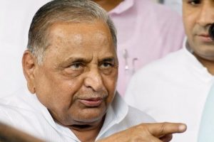 Mulayam, Shivpal to form secular front under Lokdal banner?