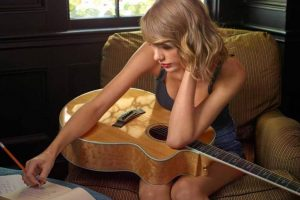 Taylor Swift recalls sexual assault trial, gets teary-eyed at concert | See video