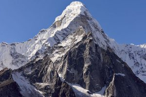 Six Indian climbers reach Mt Everest in first summit of season